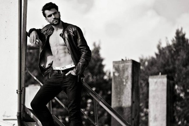 Leatherjacket with Abs